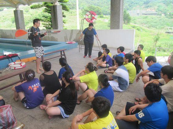 辦理環境教育主題活動-獨木舟教學  照片