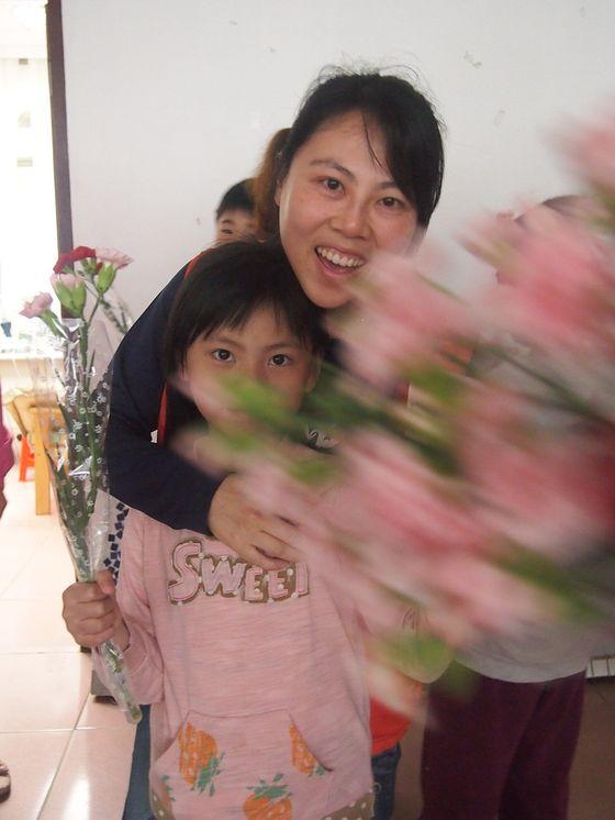 Re: 母親節---感恩獻真情活動   照片